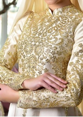 Robe Nisan Gold